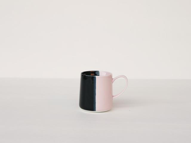 【予約販売】色釉 ブラック×ピンク マグカップ 波佐見焼