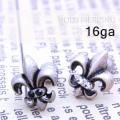 [16G]これ1つで存在感ありクールに決めて、、ユリの紋章ストレート軟骨ピアスボディピアス 0245