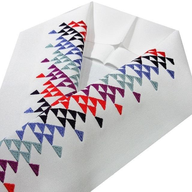 半衿 刺繍 ウロコ