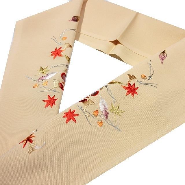 半衿 刺繍