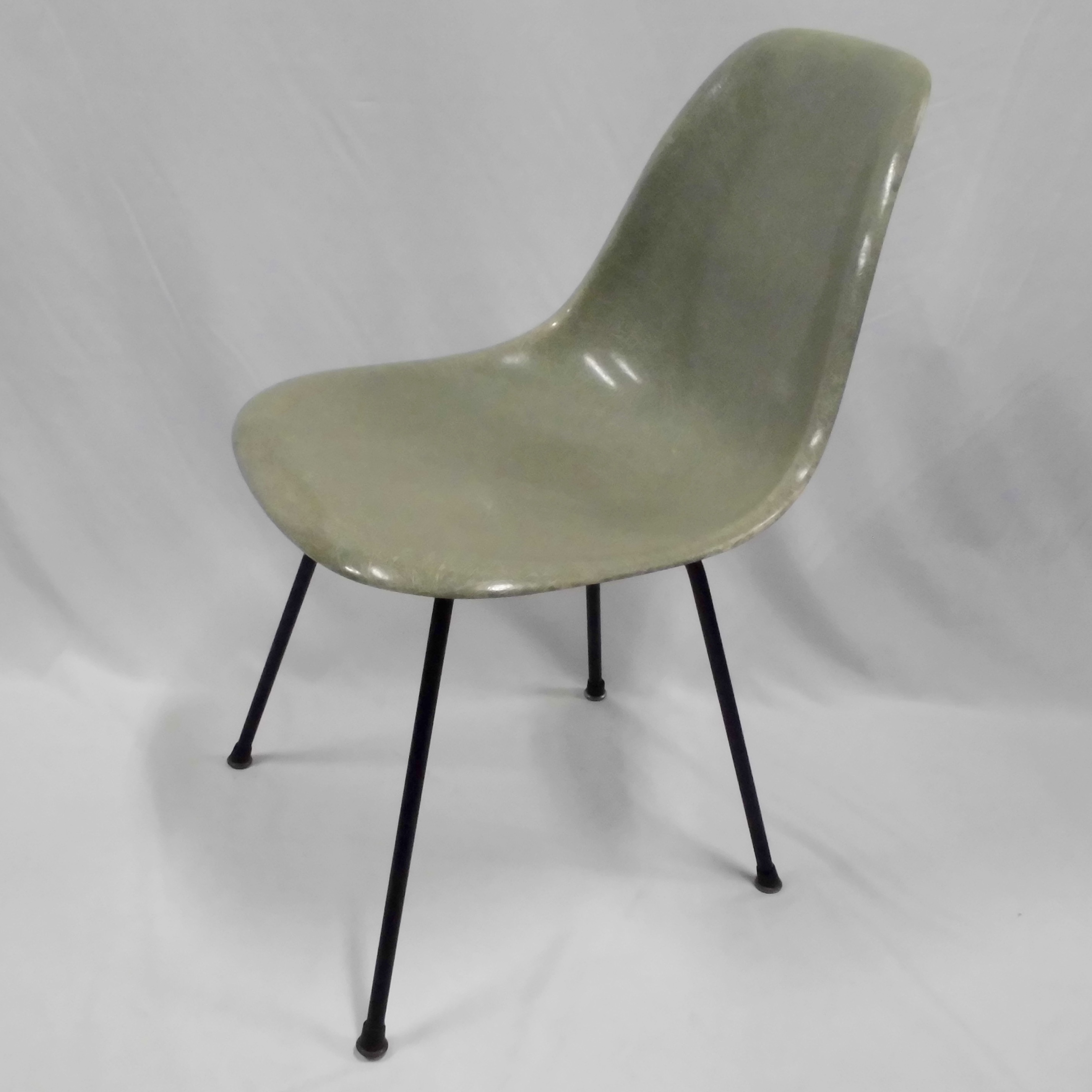 Eames Side Shell Chair