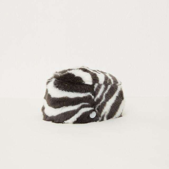 【eLfinFolk】8月入荷予定Zebra fur toque HAT  by CA4LA