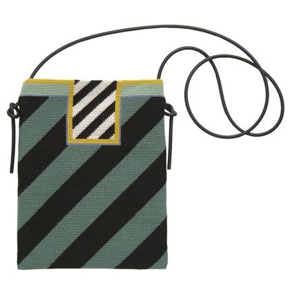 〔fru zippe〕 刺繍キット 71-0189