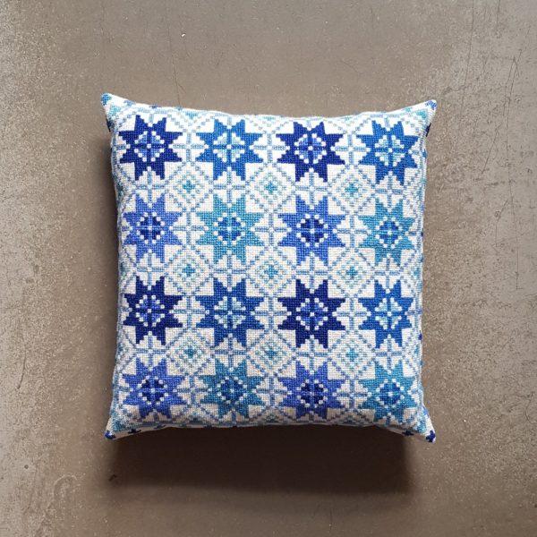 〔Svensk Hemslojd〕 クロスステッチキット Lillis Stjarnor / Blue