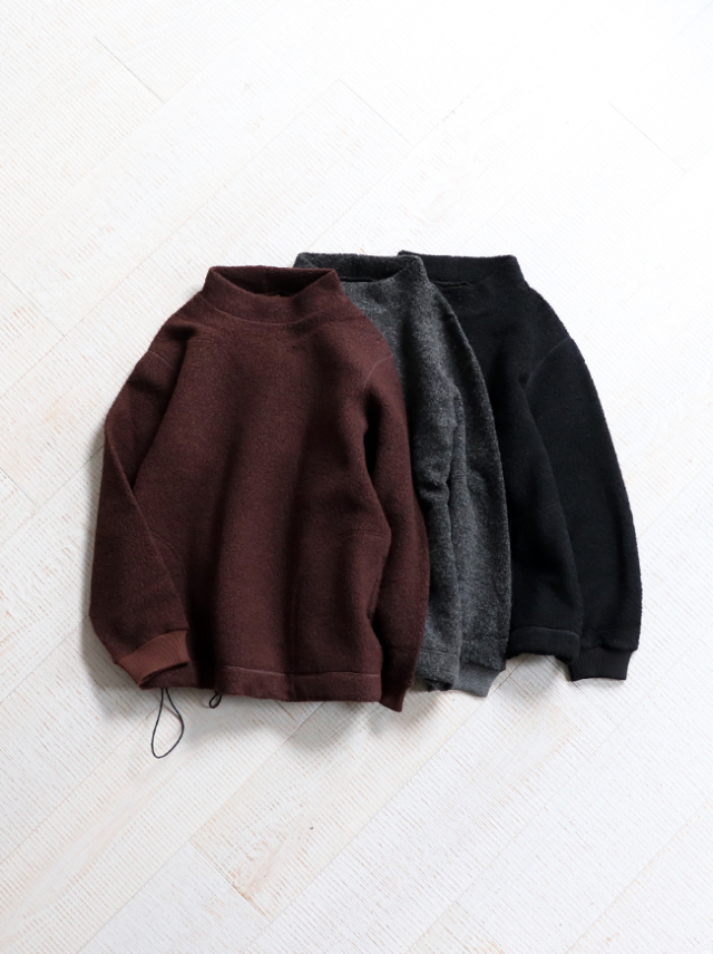 A Vontade Wool Pile Mock Pullover
