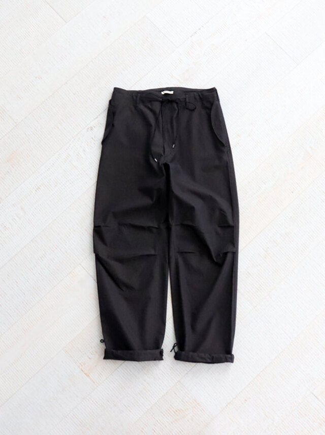 AURALEE WASHED FINX RIPSTOP CHAMBRAY FIELD PANTS