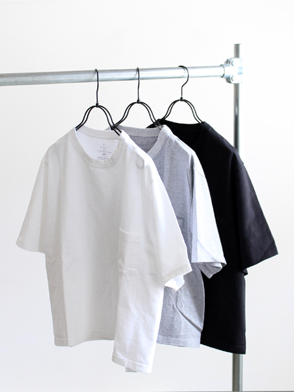 GOWN&FOUNDATION GARMENTS Short Sleeve Pocket Tee