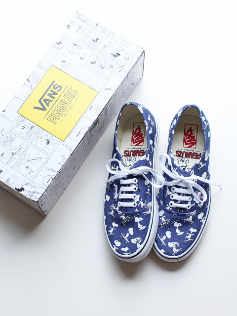 VANS AUTHENTIC PEANUTS -SNOOPY