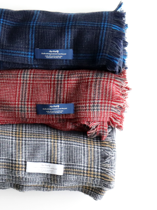 Baje Craft Glen Check stole