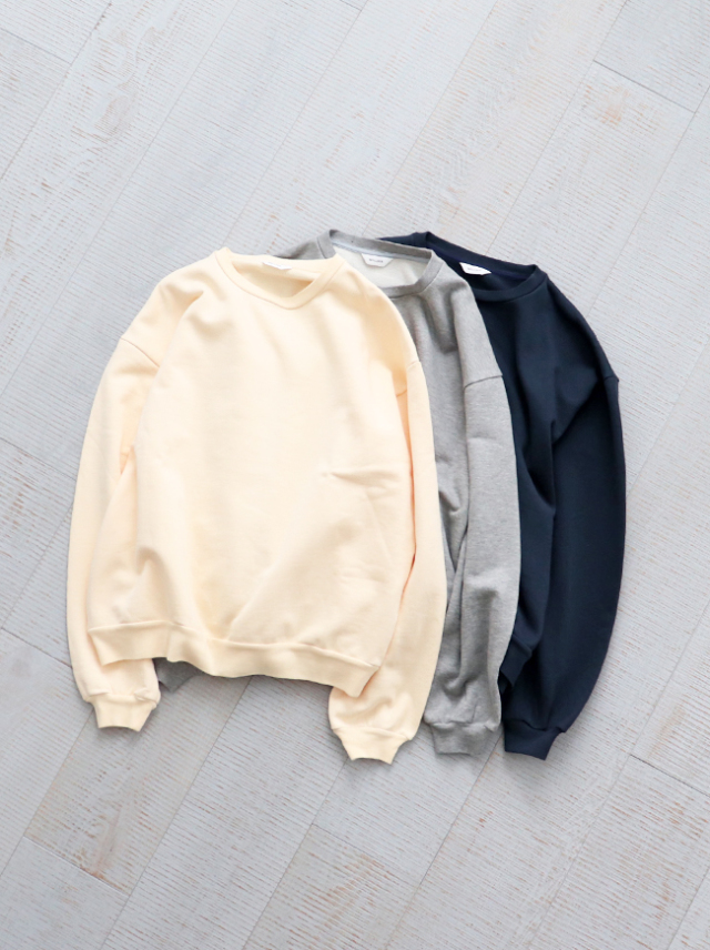 WELLDER Buck Side Tucked Crewneck