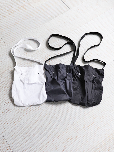 ENGINEERED GARMENTS(エンジニアードガーメンツ) Shoulder pouch -Nylon taffeta