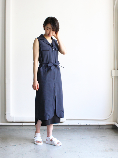 White Mountaineering (ホワイトマウンテニアリング) OPEN COLLARED STRETCH NO SLEEVE ONE-PIECE DRESS