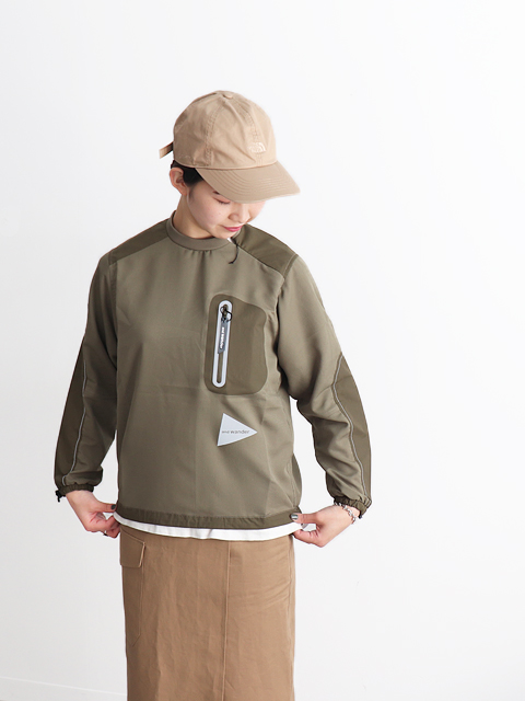and wander(アンドワンダー) vent pullover