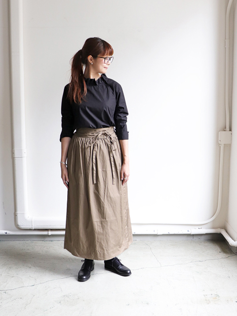 ORDINARY FITS(オーディナリーフィッツ) LONG APLON SKIRT -Chino