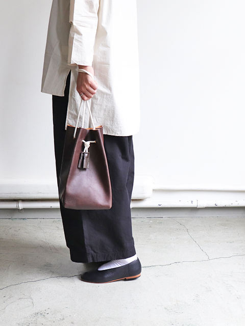 TEMBEA(テンベア) GAME POUCH -SHRINK LEATHER