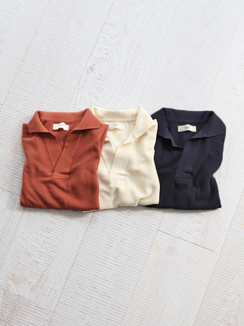 unfil (アンフィル) dry touch cotton pique-knit skipper top