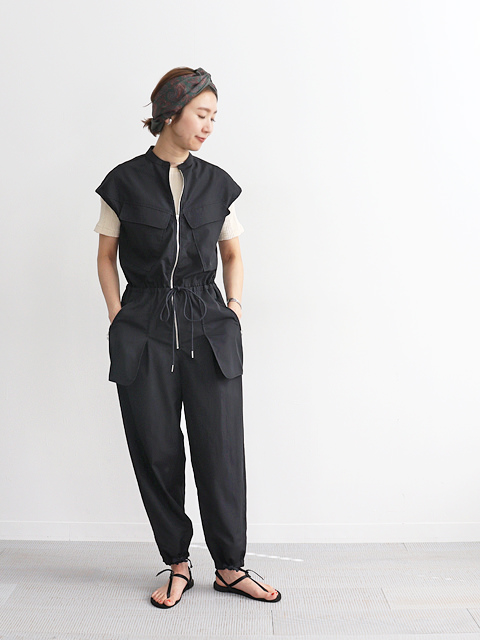 unfil (アンフィル) washed cotton-poplin zip front jumpsuit
