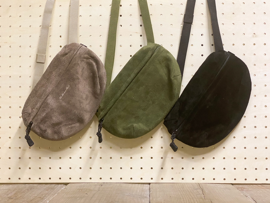 THE UNION/ザ ユニオン SUEDE FEILD POUCH(L size)
