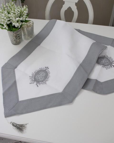 フランスから届くフレンチリネン(ホワイト×グレーフレームリボン) 【Blanc de Paris】 テーブルセンター モノグラム刺繍