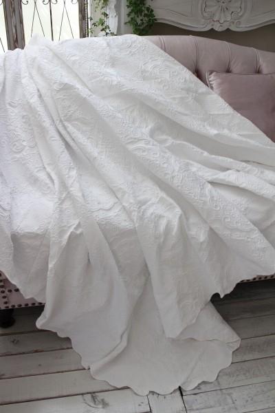 エンボス仕上げのマルチカバー(ホワイト・220×260)ベッドカバー  ベッドスプレット  【Blanc Mariclo ブランマリクロ】イタリ