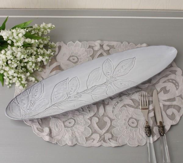 アンティークな輸入食器 ケーキ皿 オーバルプレート 横長 (ハーバリューム004) ボルダロ・ピニェイロ ポルトガル製 おしゃれ