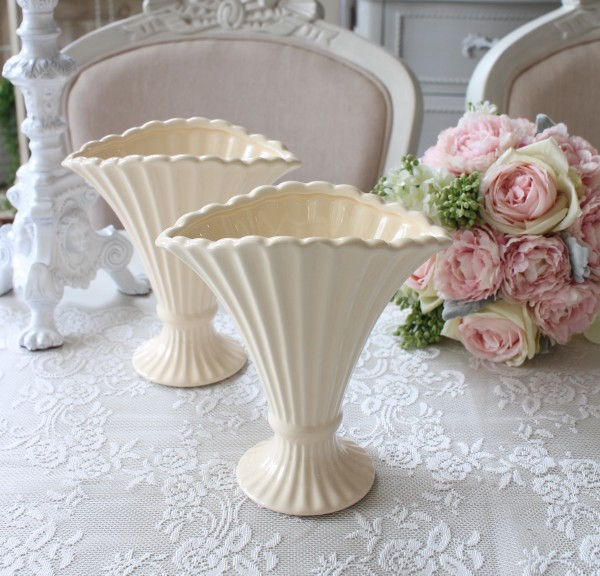 シェルベース ヨーロピアンコンポート 花瓶 ベース ヨーロピアン型 陶器花器 洋風 輸入雑貨 シャビーシック ヨーロピアン雑貨 ア