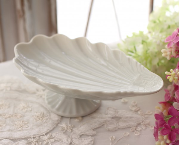 プチフルールプレート(シェルタイプ366) 台座の付いた可愛いスウィーツトレー  ケーキスタンド アクセサリートレー 陶器製 ホ