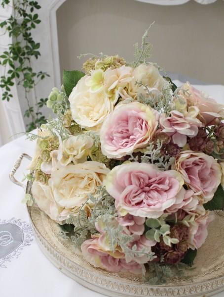 花束になったイングリッシュローズブーケ(クリーム・ピンク)  【シルクフラワー・アーティフィシャルフラワー】 花束 薔薇