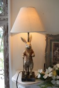 バロックラビットの卓上ランプ・テーブルランプ 25W ウサギのランプ置物 輸入雑貨 シャビーシック アンティーク風 フレ