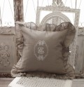 NEW♪ フランスから届くフレンチリネン(クッション・フリルグレー) 中綿(パンヤ付き) 【Blanc de Paris】  クッショ