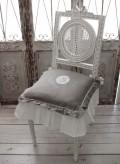 フランスから届くフレンチリネン(チェアパッド・グレー×モノグラム刺繍) 中綿(パンヤ付き) 【Blanc de Paris】 クッショ