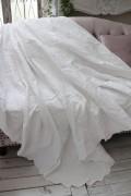 エンボス仕上げのマルチカバー(ホワイト・260×260)ベッドカバー  ベッドスプレット  【Blanc Mariclo ブランマリクロ】イタリ