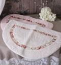 可愛い半円マット(ホワイト・ピンク)薔薇 ローズ フロアマット 半円 お洒落 マイクロファー