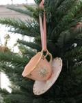 クリスマスオーナメント (カップ&ソーサー ピンク)アンティーク風 シャビーシック 北欧 フレンチ ロマンティック 可愛い