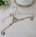 アンティーク風のデコラティブハンガー 真鍮製(ゴールド・シルバー) 洋服ハンガー アンティークゴールド シャビーシック ア
