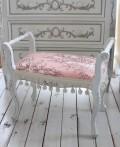当店オリジナル♪ フレンチ手付きスツール フレンチホワイト 手付き猫脚 ピンク・ジュイ柄  イタリア製 トワル・ド・ジュイ柄 猫