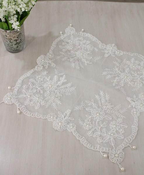 ハンドメイドのビーズ刺繍が美しいレースのテーブルセンター・Sサイズ 40×40cm テーブルランナー レース ホワイト
