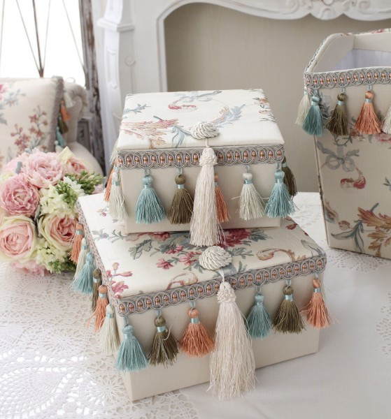 エレガントな刺繍布張りシリーズ(プチトリアノン・ボックス2個セット) 収納ボックス 小物入れ フレンチカントリー アンティー