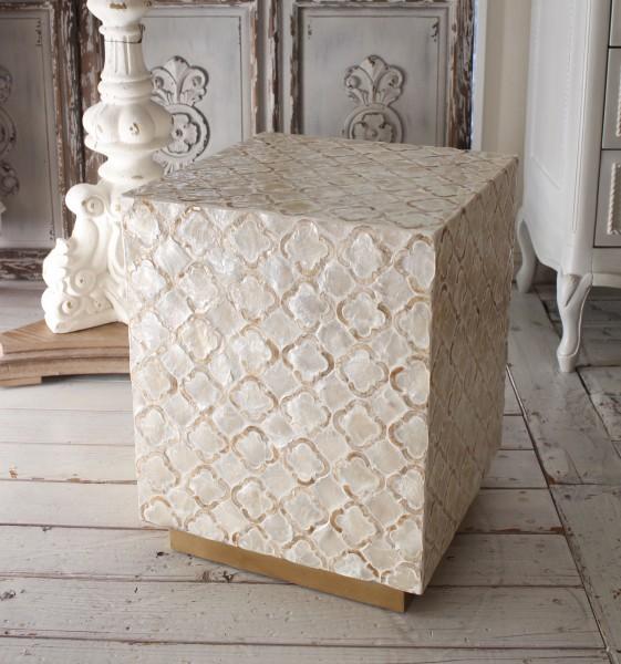 アンティークなシェル製 サイドテーブル (角型) シャビーシック ナイトテーブル ベッドサイドテーブル アンティーク風 モロッカ