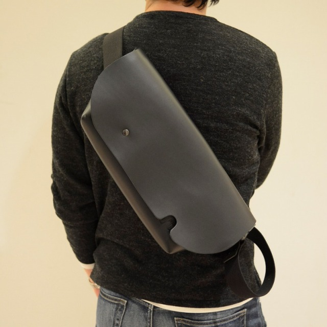 Uni&co メッセンジャーバッグ マット素材 S-FAS(正規取扱店)