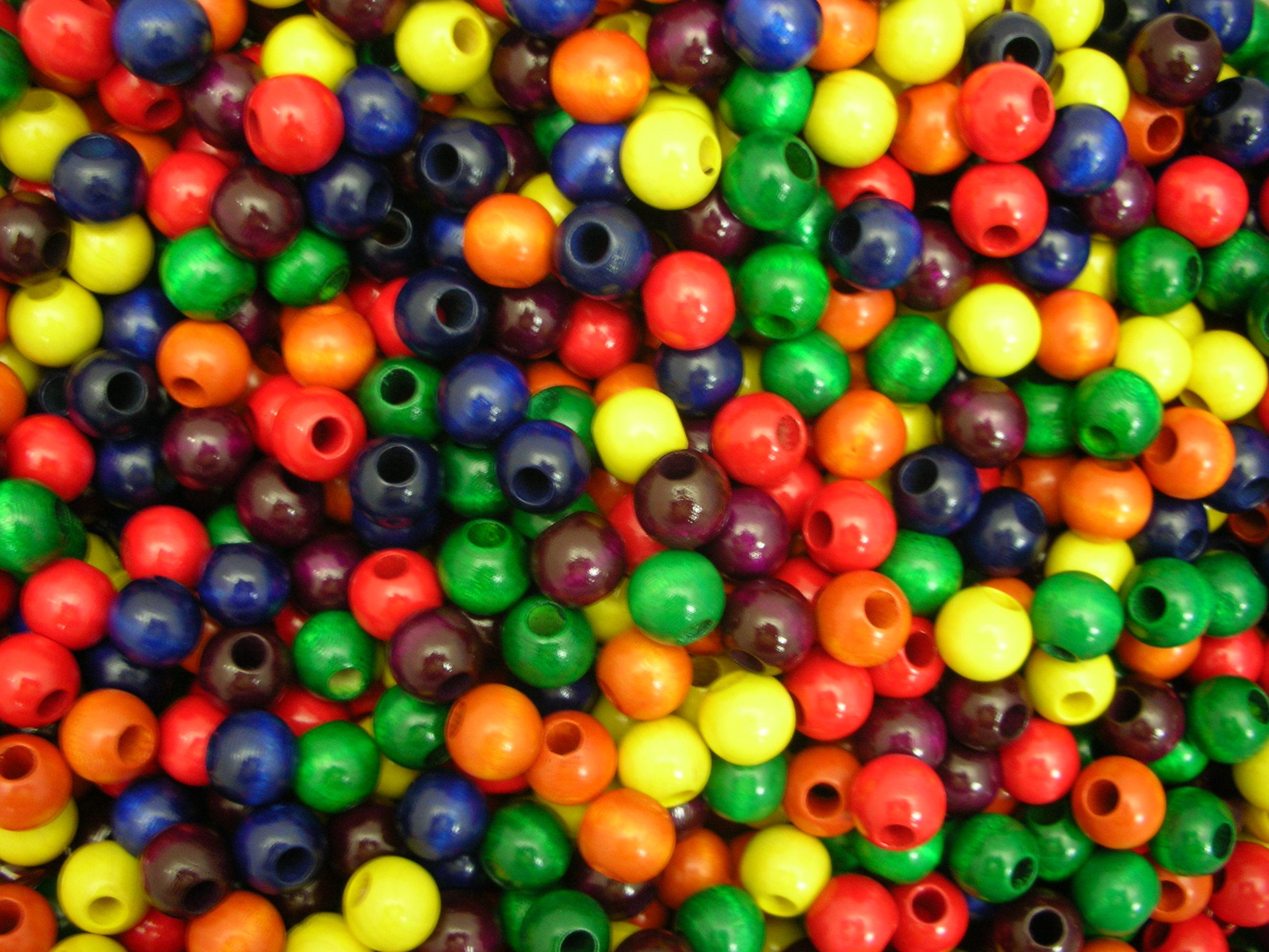6色ビーズ(6色×20個) 〜積み木遊びが広がる木のビーズです。大穴と小穴があります。〜