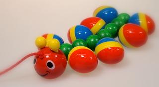 WALTERむかで 〜カラフルな色彩が子ども達の目を引きます〜