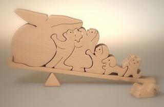 おはなし組木・おおきなかぶ ~「おおきなかぶ」の絵本から飛び出した組木です~