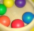 カラーボール 〜カラフルな球は子ども達の興味をひきつけます〜