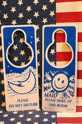 ベッドメイキングドアサイン アメリカ看板 邪魔しないでください看板 ホテル看板 寝室 アメリカ雑貨屋 サンブリッヂ 看板通販