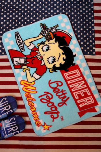 ベティ マット ベティブープ フロアマット 玄関マット バスマット ダイナー ベティちゃん アメリカ雑貨屋 サンブリッヂ 通販