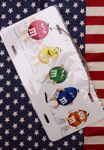 エム&エムズ エムアンドエムズ ライセンスプレート アメリカ M&M'S 通販 アメリカ雑貨屋 サンブリッヂ 通販