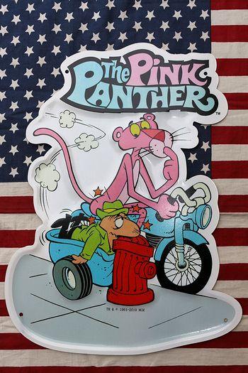 ピンクパンサー看板 エンボスメタルサイン PINK PANTHER  アメリカン看板 アメリカ雑貨屋 サンブリッヂ 看板通販