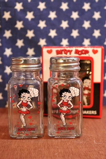 BETTYBOOP ベティちゃん ソルトペッパー入れ 調味料ケース アメリカ雑貨屋 サンブリッヂ アメリカン雑貨 通販