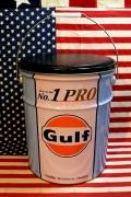 ガルフオイル缶スツール イスになるオイル缶 ガレージ缶 ゴミ箱 アメリカ雑貨屋 サンブリッヂ 通販